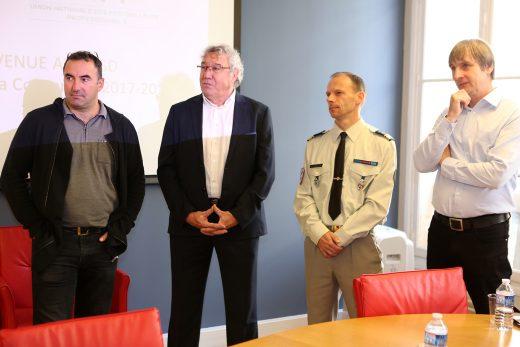 L'adjudant-Chef Christophe Horta, Joël Delpierre (directeur ESR), le Chef de Bataillon Eric Vinclair et Jacques Glasmann, directeur-adjoint ESR.