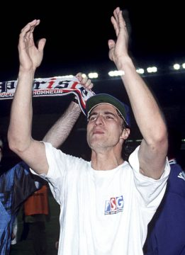 David Ginola sous le... t-shirt du PSG !