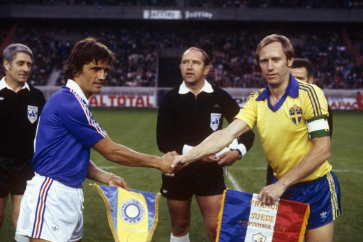 FOOT - ELIMINATOIRES EURO 1980 - 1978 michel (henri) nordqvist (bjorn) palotai (karoly) -arbitre- *** Local Caption ***
