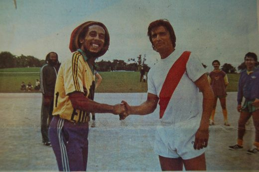 Avec Bob Marley, venu taper le ballon avec les Nantais un jour de concert...