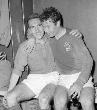 Avec Just Fontaine, après la victoire sur l'Irlande du Nord (4-0) en quarts de finale de la Coupe du monde 1958.