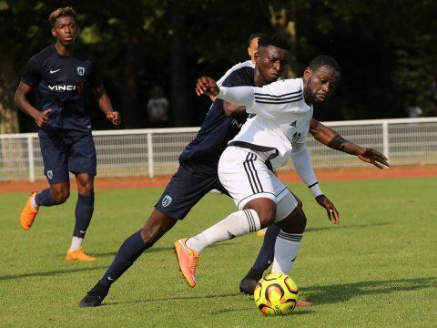 Ladislas Douniama, avec l'UNFP FC, face au Paris FC en juillet dernier...